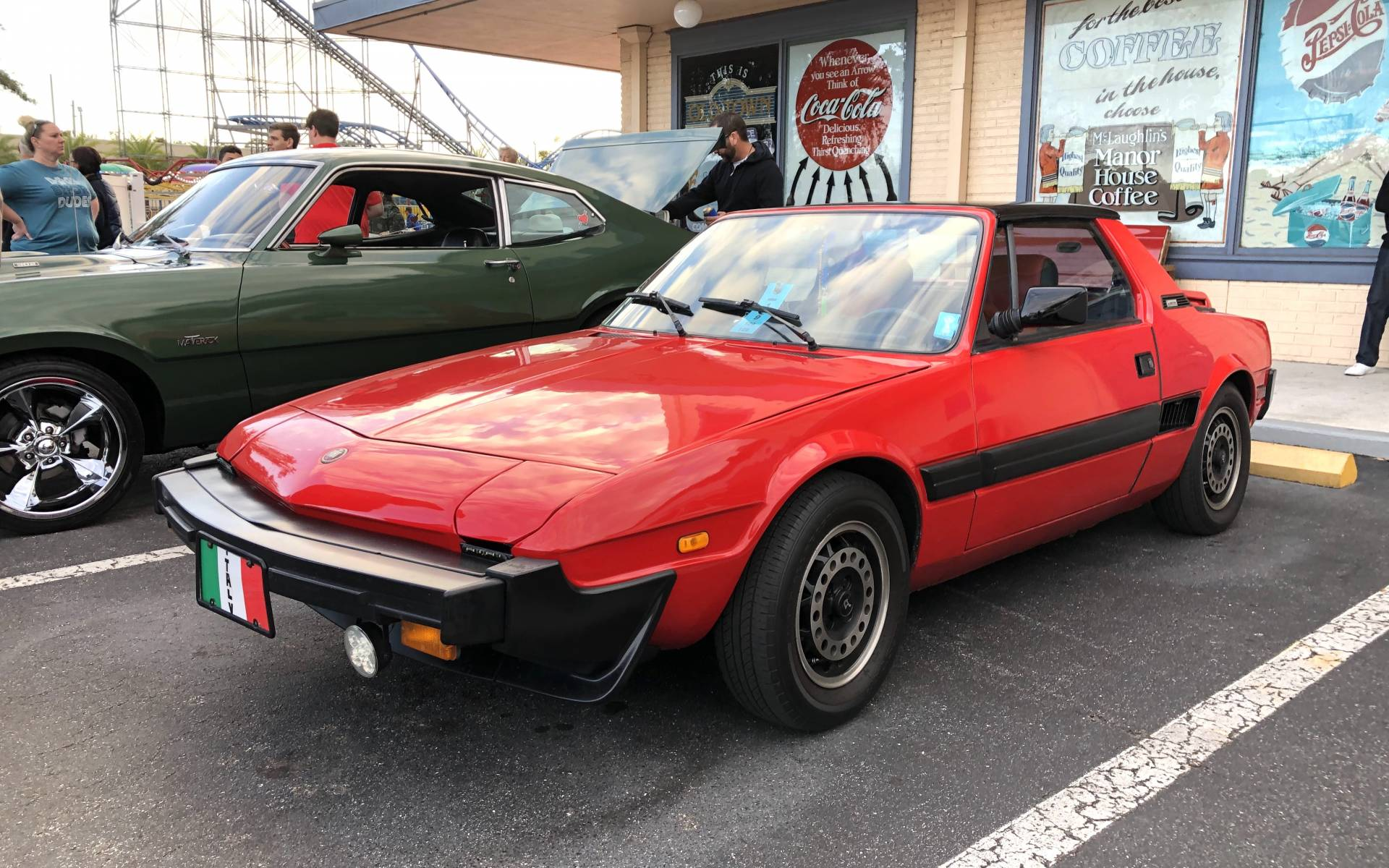 <p><strong>Fiat X1/9</strong></p>