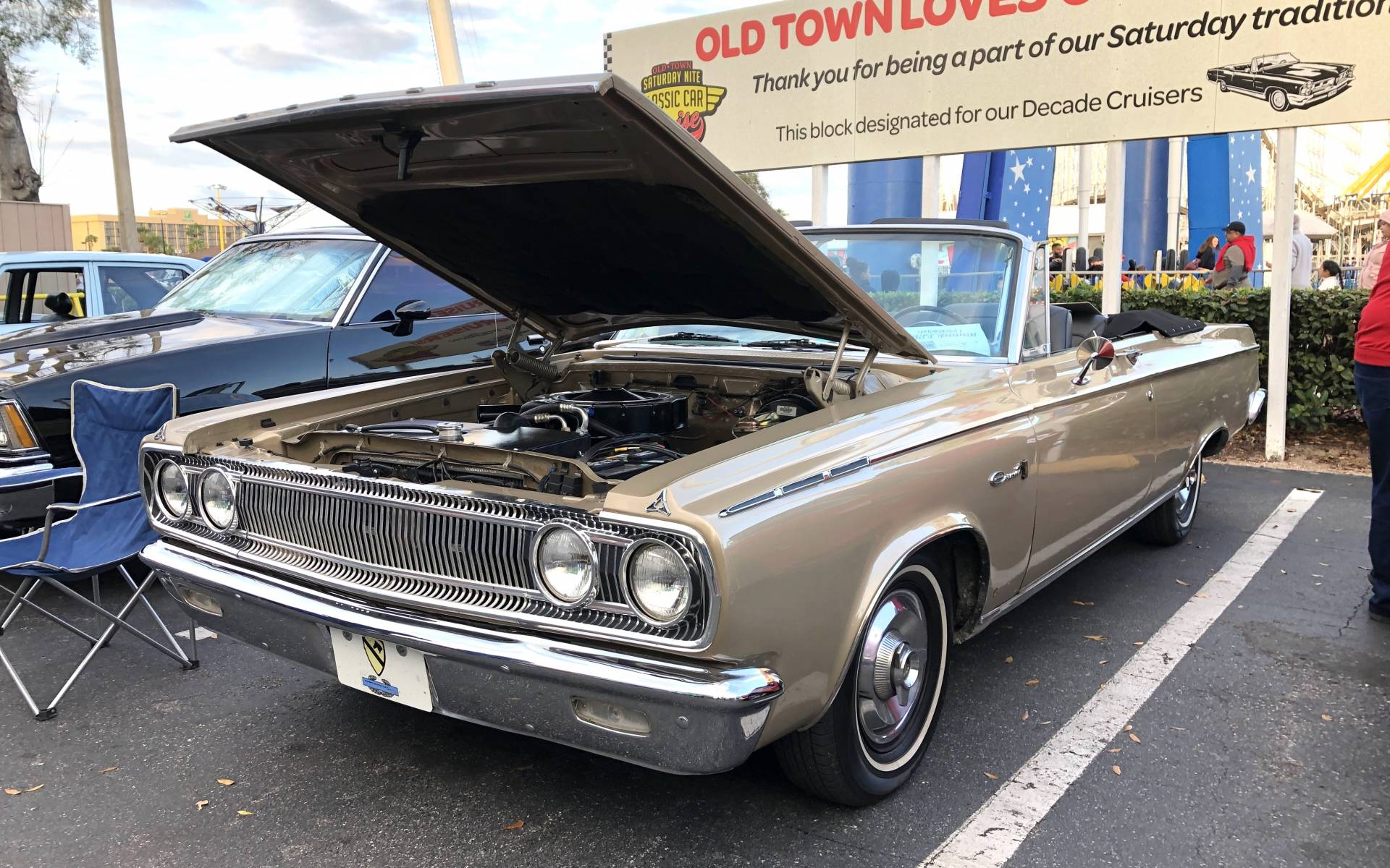 <p><strong>Dodge Coronet 1965</strong></p>