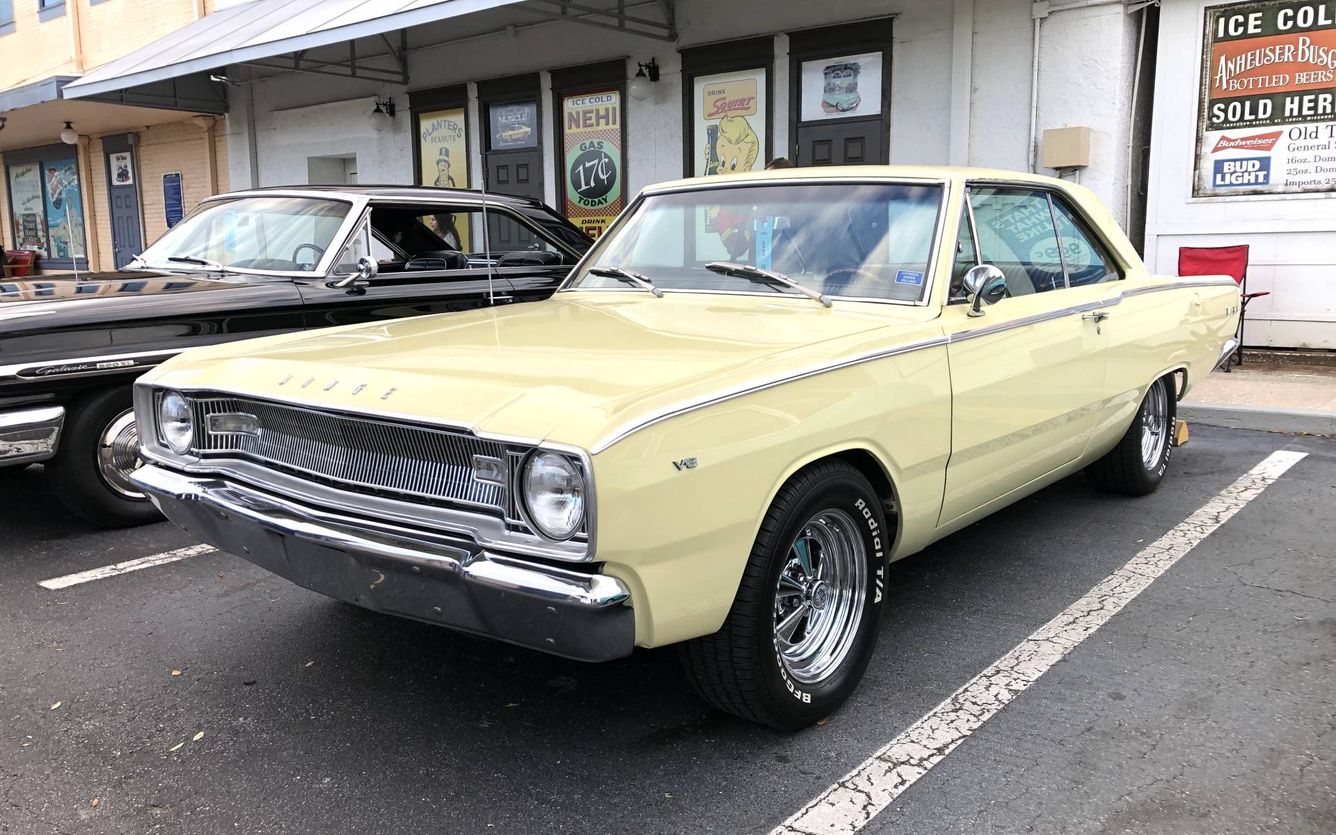 <p><strong>Dodge Dart 1967</strong></p>