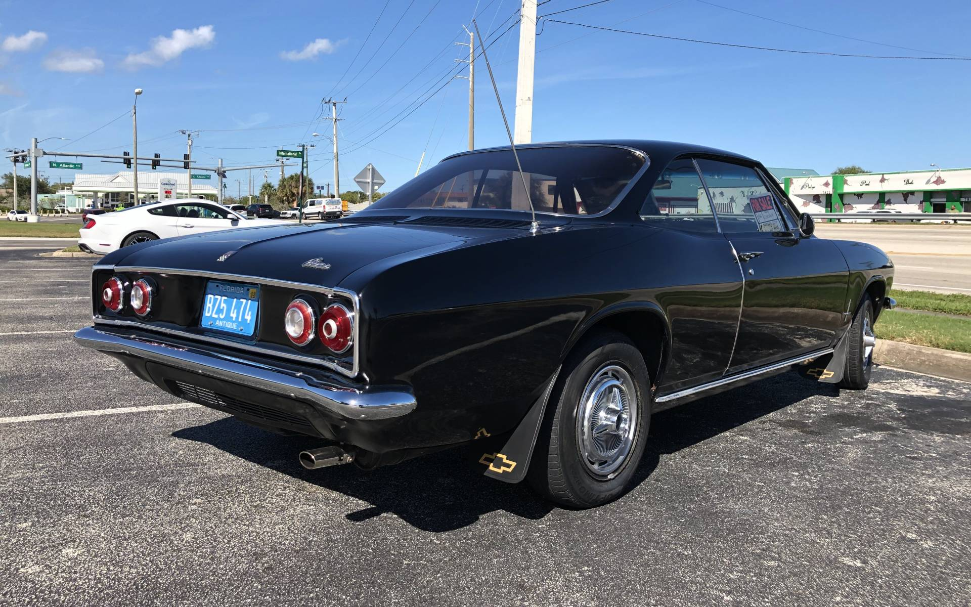 <p><strong>1966 Chevrolet Corvair</strong></p>
