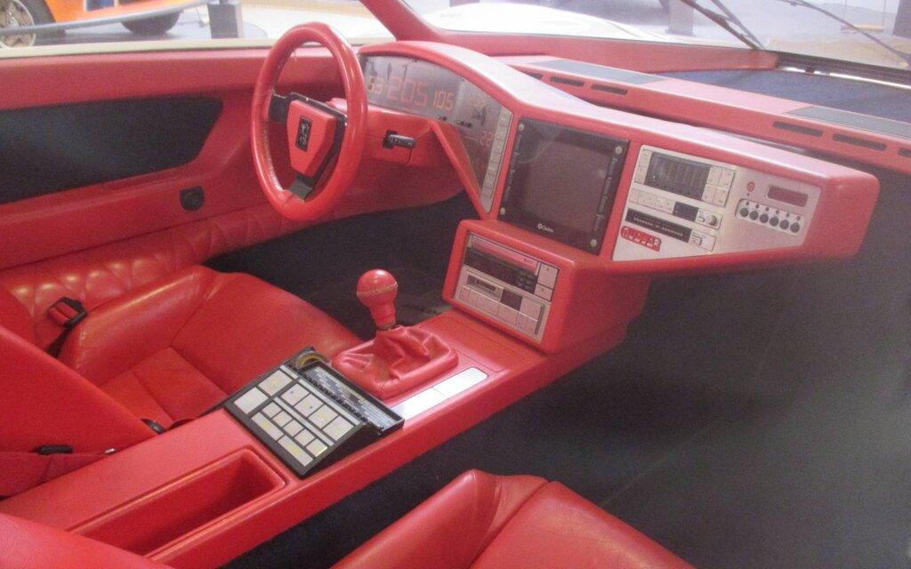 Peugeot Quasar : 600 chevaux et un système multimédia...en 1984 ! 419632-peugeot-quasar-la-renaissance-du-lion