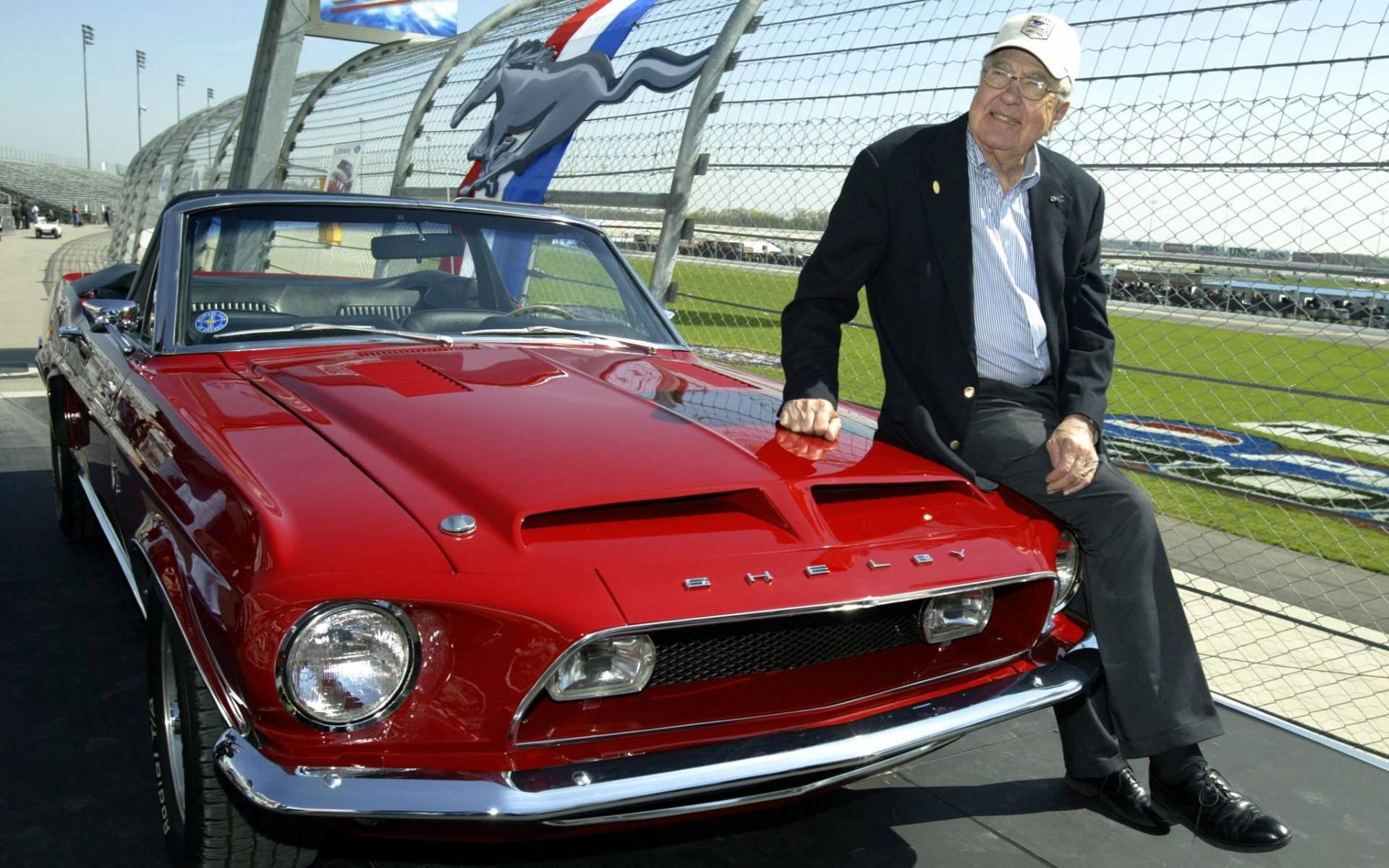 Saviez-vous que Carroll Shelby a travaillé pour… Toyota ? 421306-saviez-vous-que-carroll-shelby-a-travaille-pour-toyota