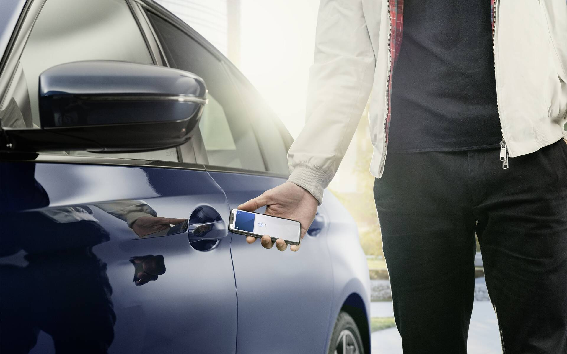 Apple Announces CarKey for iPhone, Minor CarPlay Update - The Car Guide