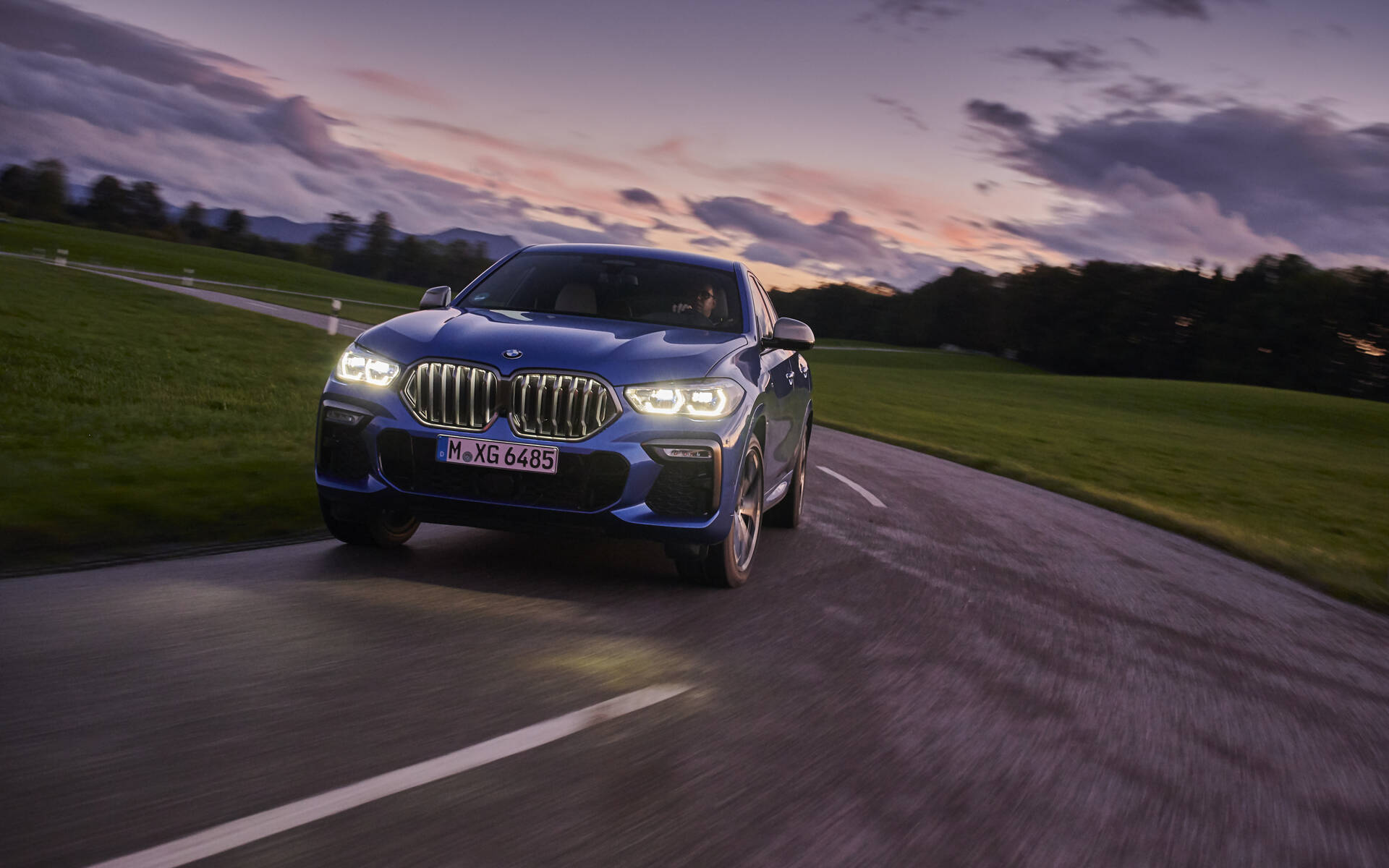<p>BMW X6 M50i 2020</p>