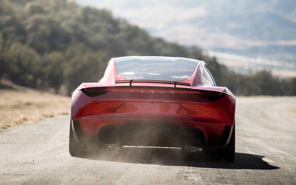 Vidéo : voici à quoi ressemble le 0-100 km/h en 1,1 seconde avec la Tesla Roadster!