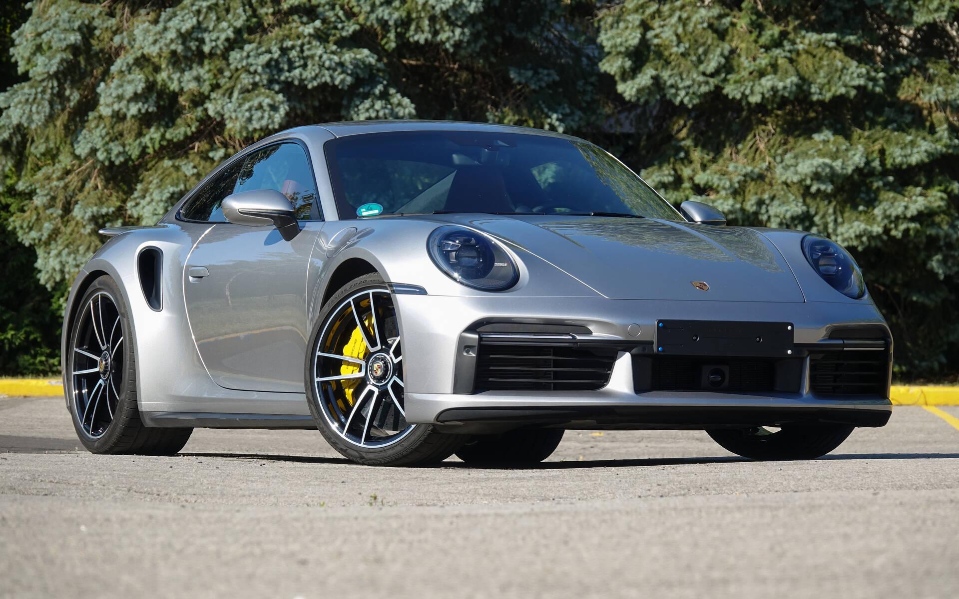 <p>Porsche 911 Turbo S 2021</p>