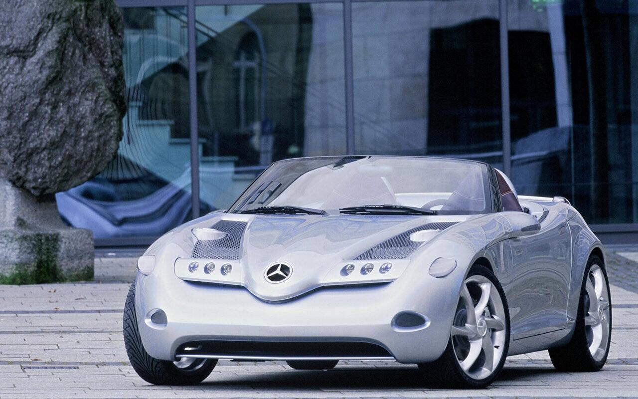 <p>2000 Mercedes-Benz Vision SLA</p>