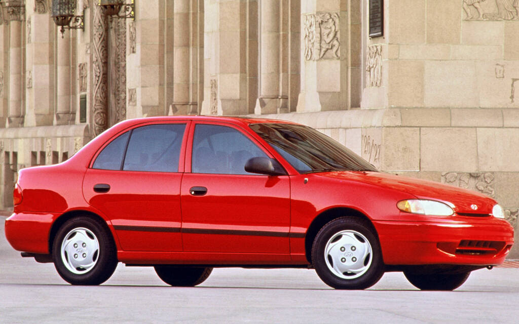 <p>Hyundai Accent de première génération.</p>