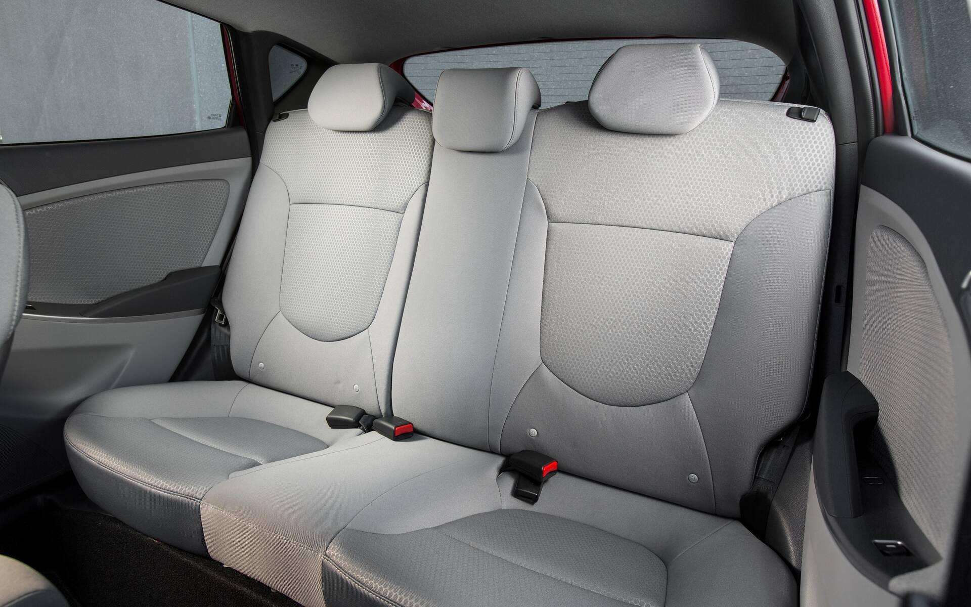 <p>Hyundai Accent de quatrième génération.</p>