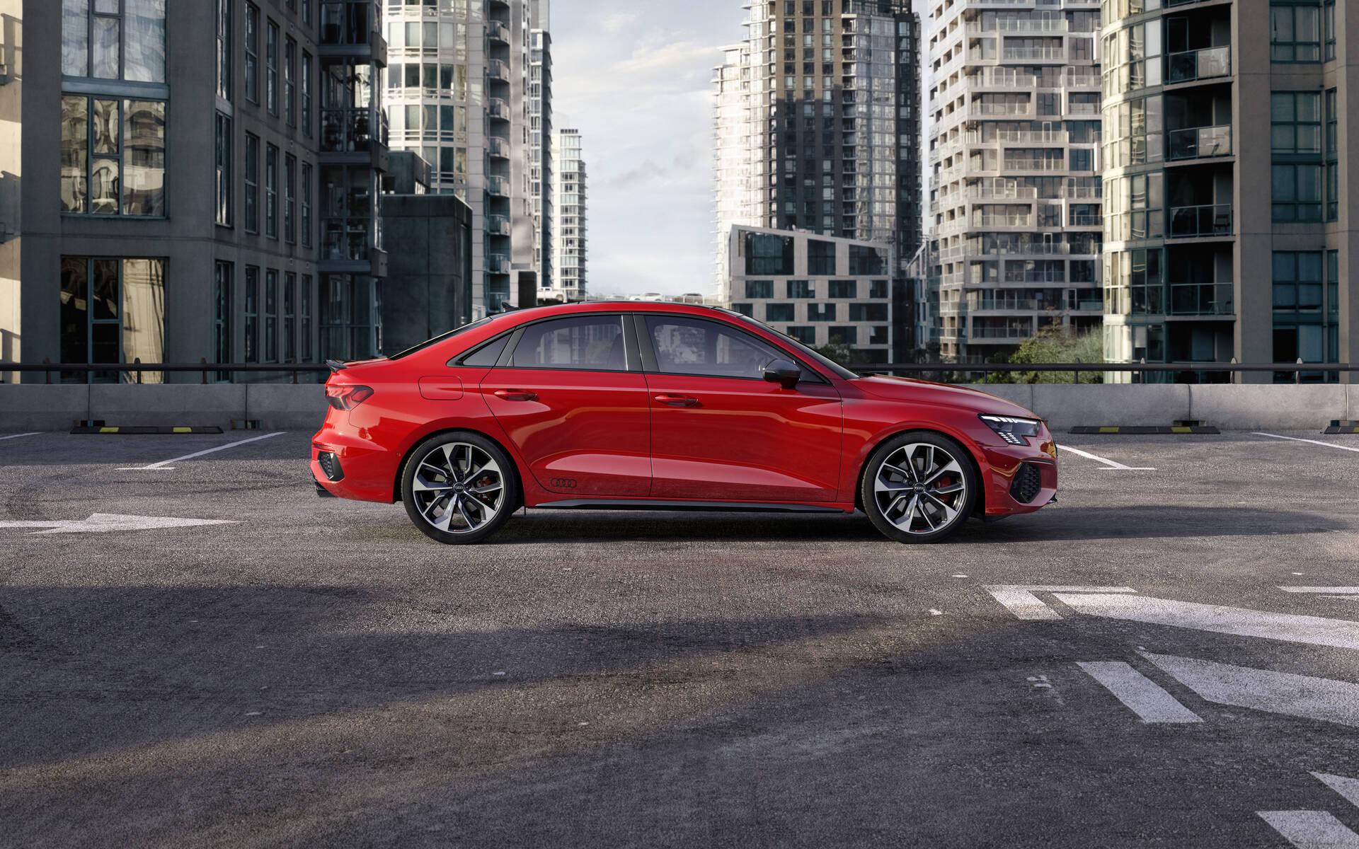<p>Audi S3 2021</p>