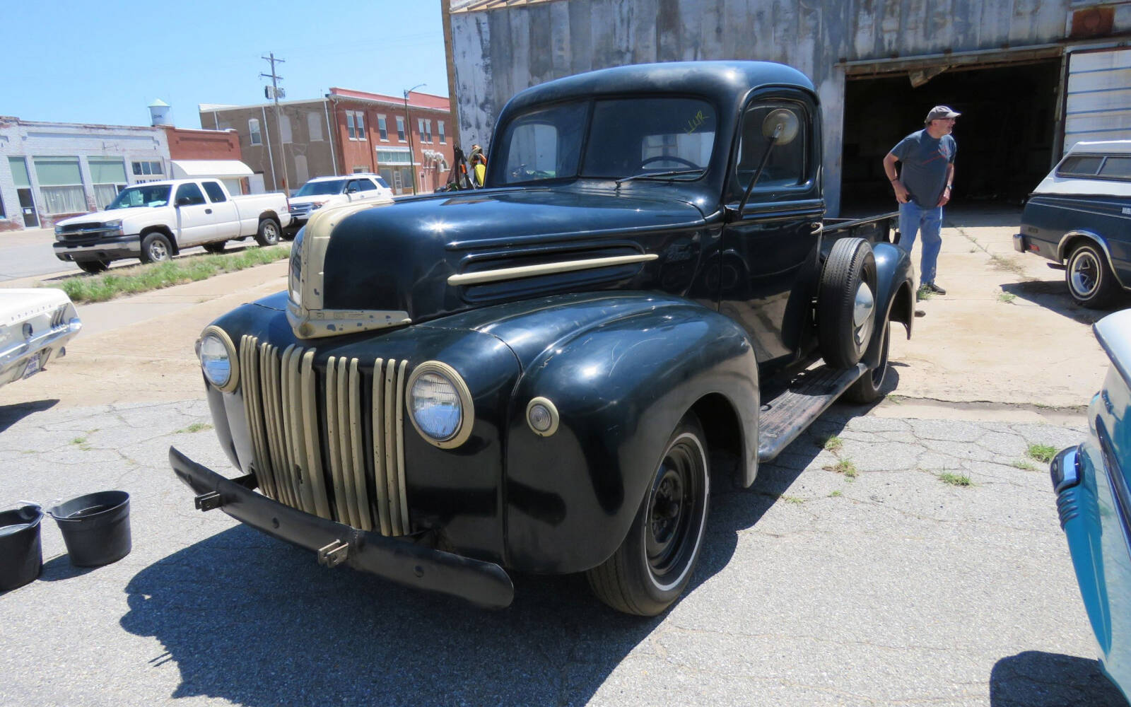 <p>Camionnette Ford 1946</p>