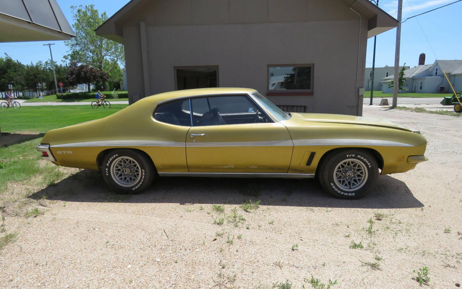 <p>1972 Pontiac GTO</p>