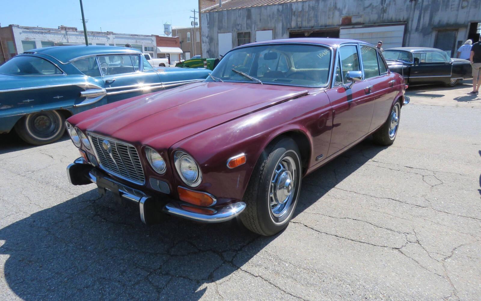 <p>Jaguar XJ6 1973</p>
