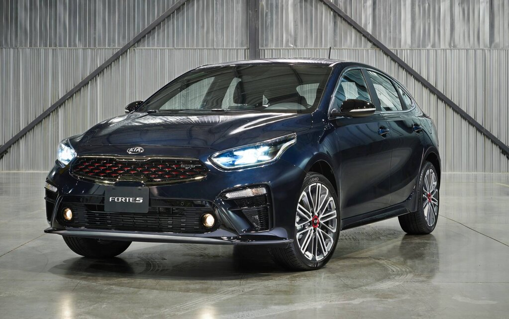 A manual transmission for the 2021 Kia Forte5 GT