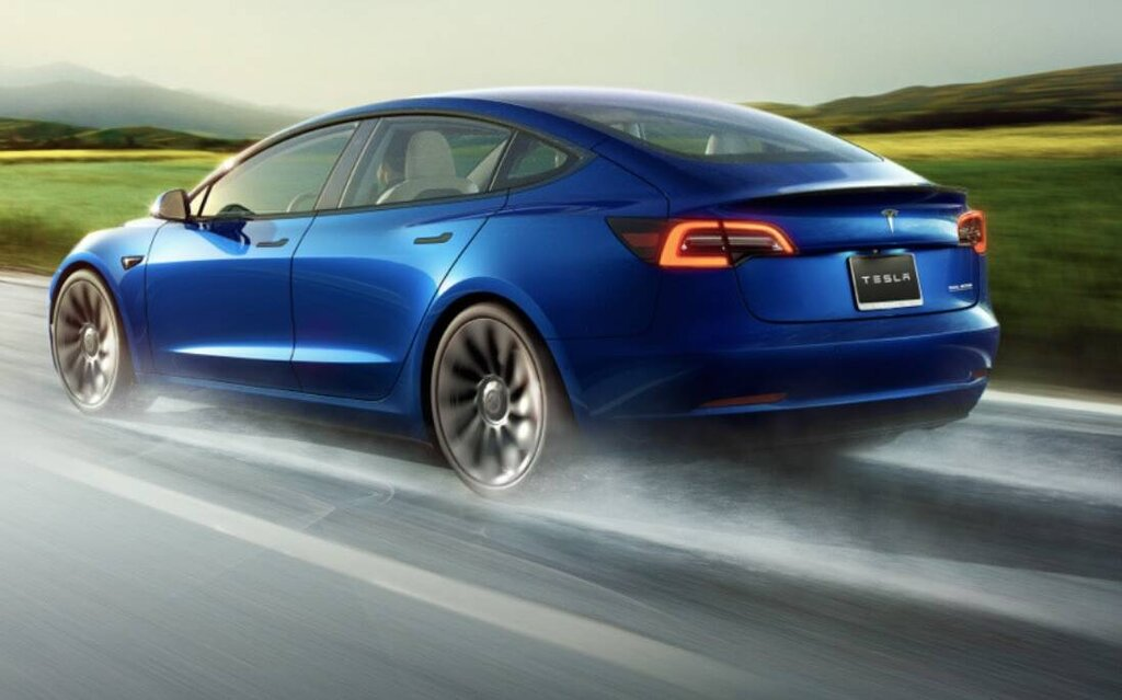 Tesla admits Model 3's bumper can fall off when it rains