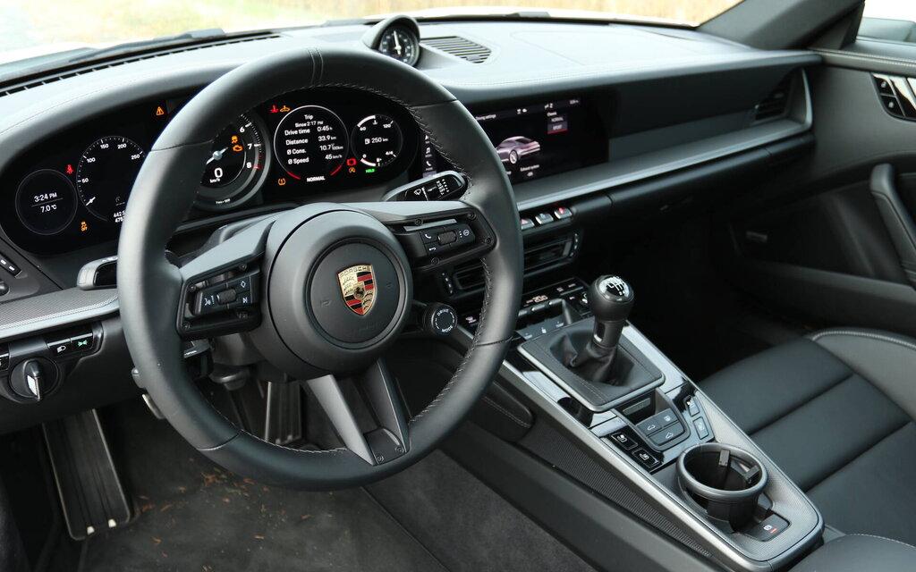 447617 porsche 911 carrera s 2020 avec trop pedales c est encore