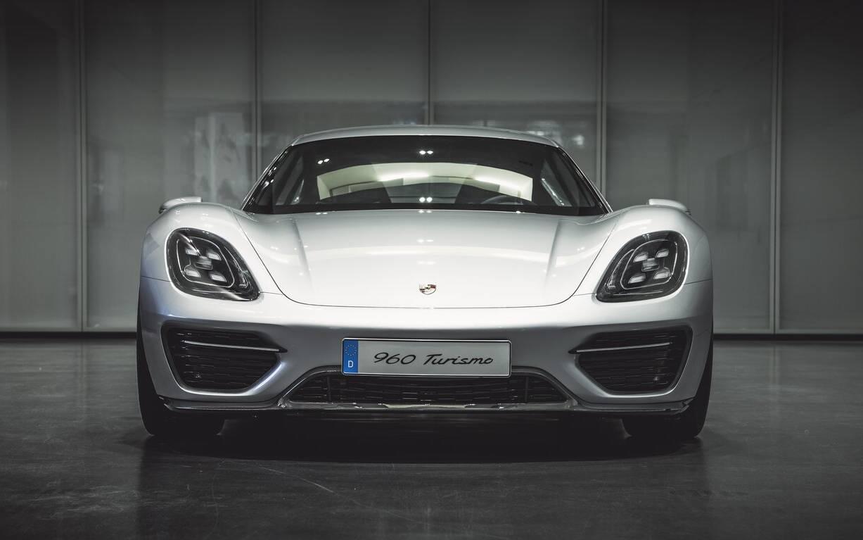 <p>Porsche Vision Turismo – 2016</p>
