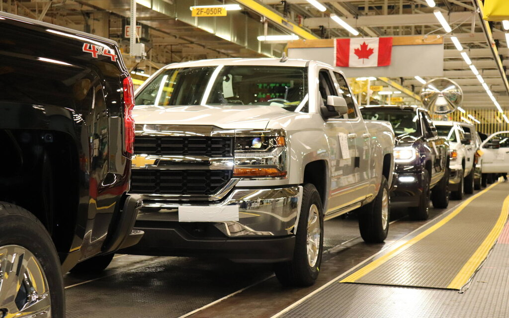 GM Oshawa plant to resume production of trucks