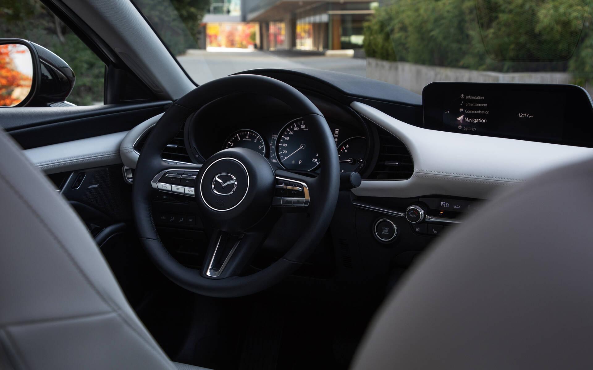 <p>Mazda 3 Turbo 2021</p>