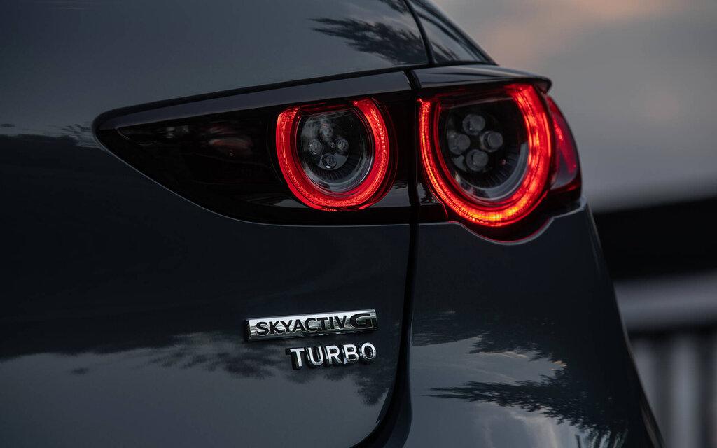 449698 mazda 3 turbo 2021 montee en grade
