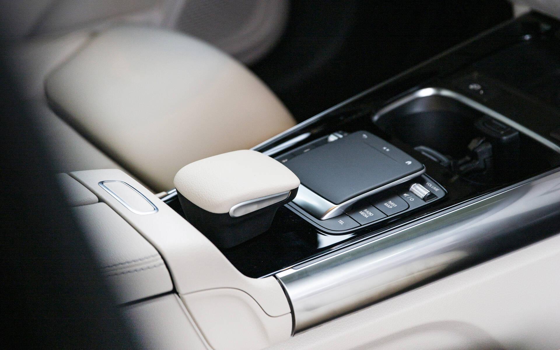<p>Mercedes-Benz GLA 2021</p>