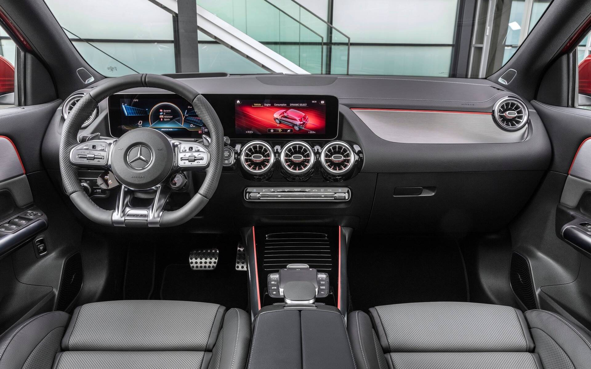 <p>Mercedes-Benz GLA 2021</p>