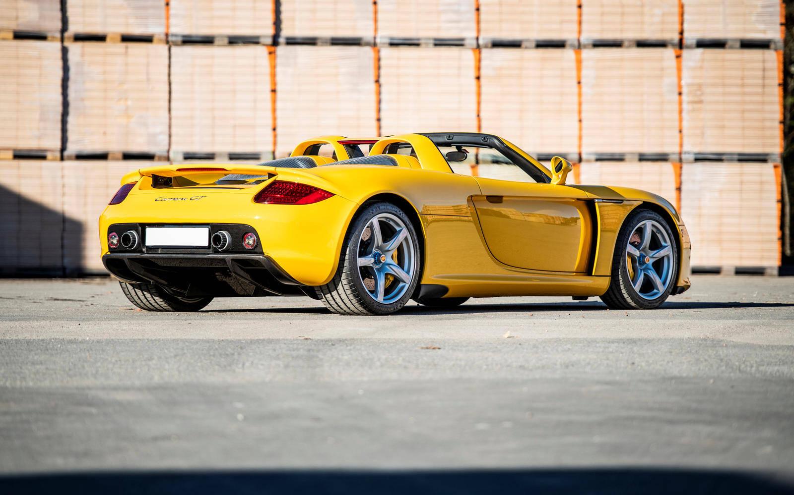 <p>Porsche Carrera GT 2005</p>