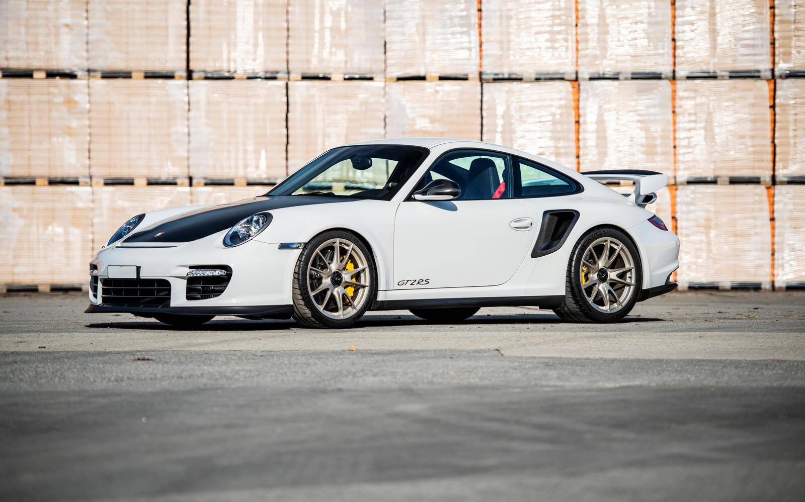 <p>Porsche 911 GT2 RS 2011</p>