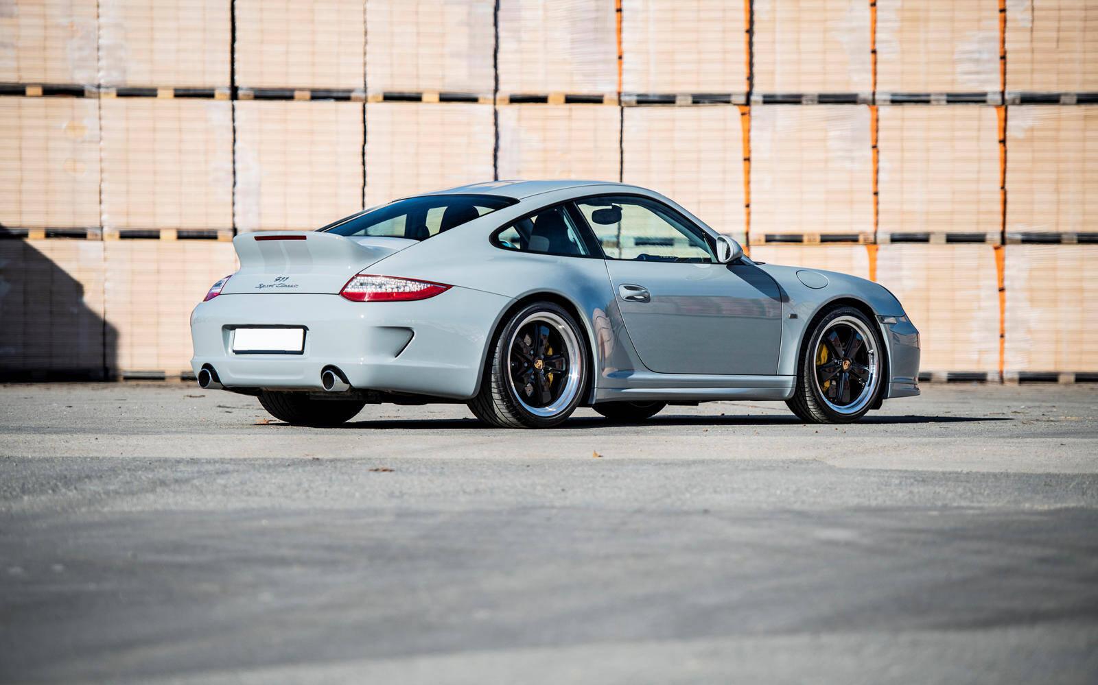 <p>Porsche 911 Sport Classic 2010</p>