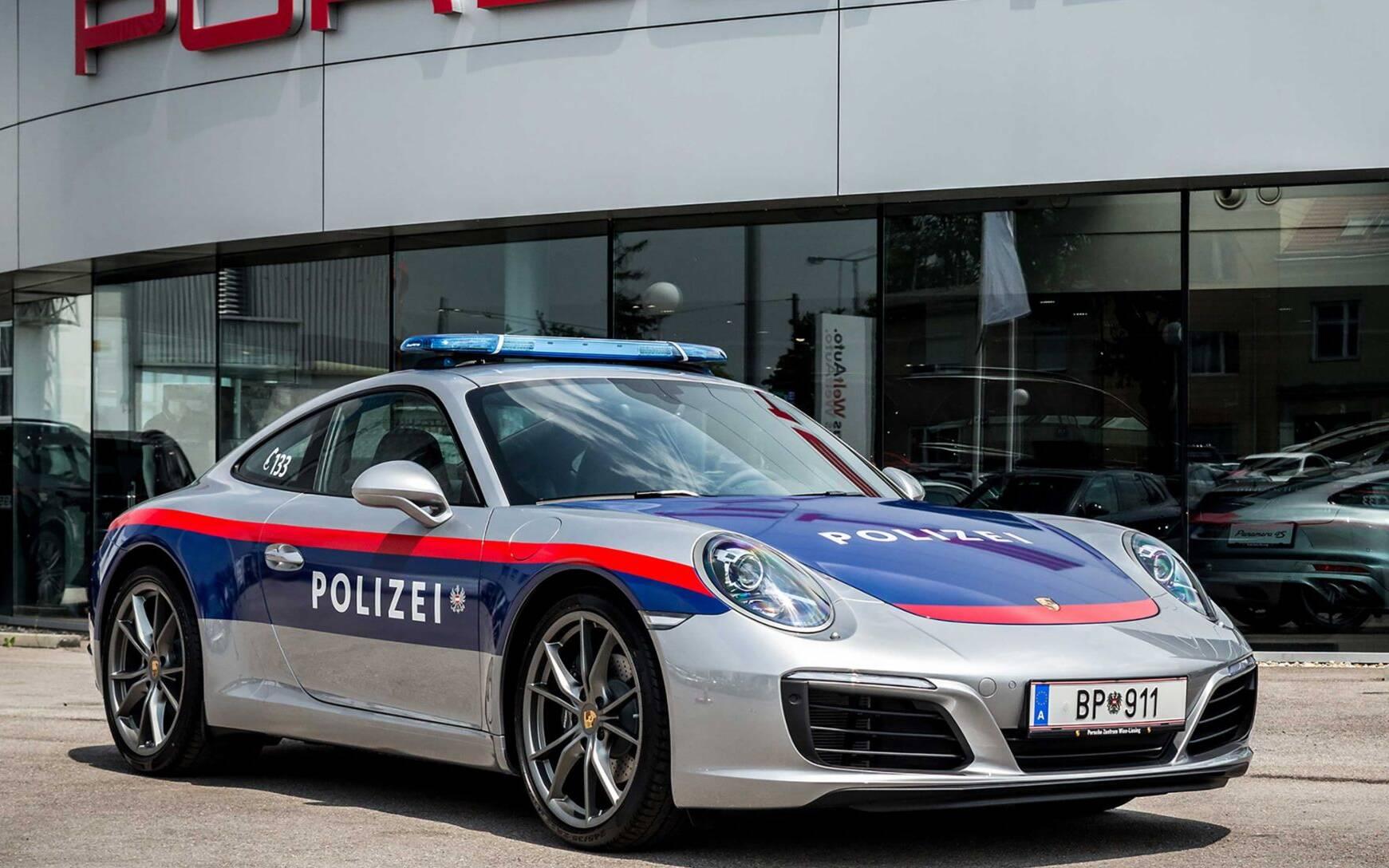 <p>Porsche 911 (Austria)</p>