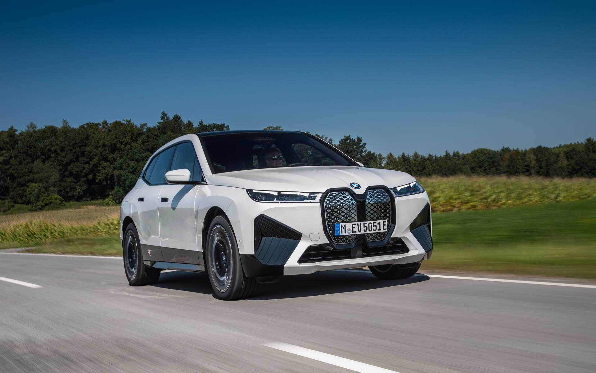 BMW iX xDrive50 2022. Gabriel Gélinas au volant.