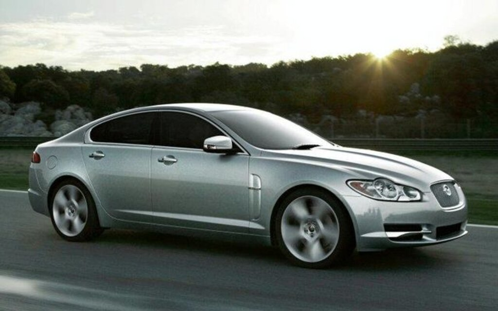 Jaguar XF. All Photos