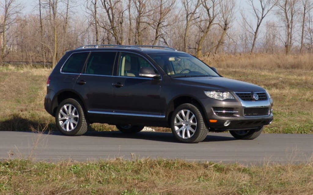 volkswagen touareg news reviews picture galleries    car guide