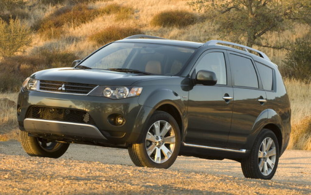 sp cifications mitsubishi outlander es 2rm 2009 guide auto. Black Bedroom Furniture Sets. Home Design Ideas