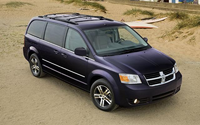 Used Dodge Caravan >> 2010 Dodge Grand Caravan photos - 1/6 - The Car Guide