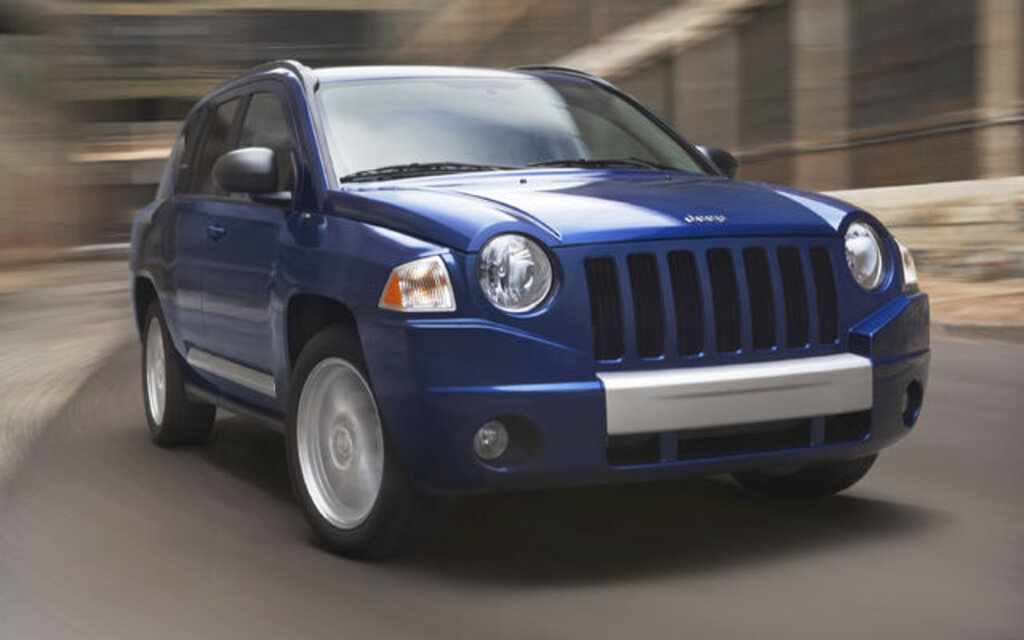 jeep compass 2010 essais actualit galeries photos et vid os guide auto. Black Bedroom Furniture Sets. Home Design Ideas