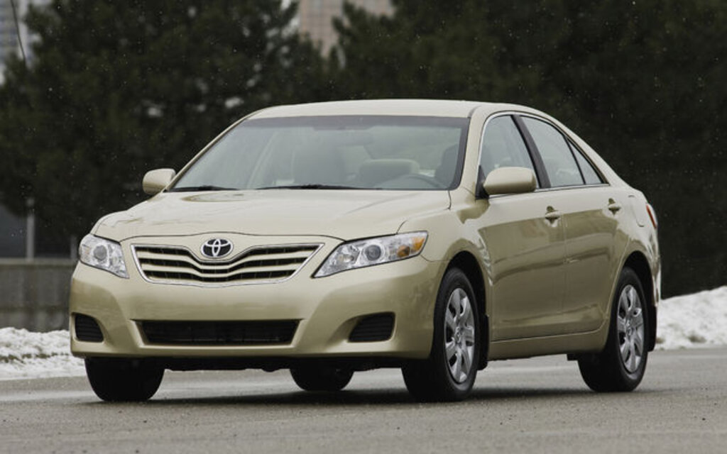 2010 Toyota Camry LE Specifications - The Car Guide