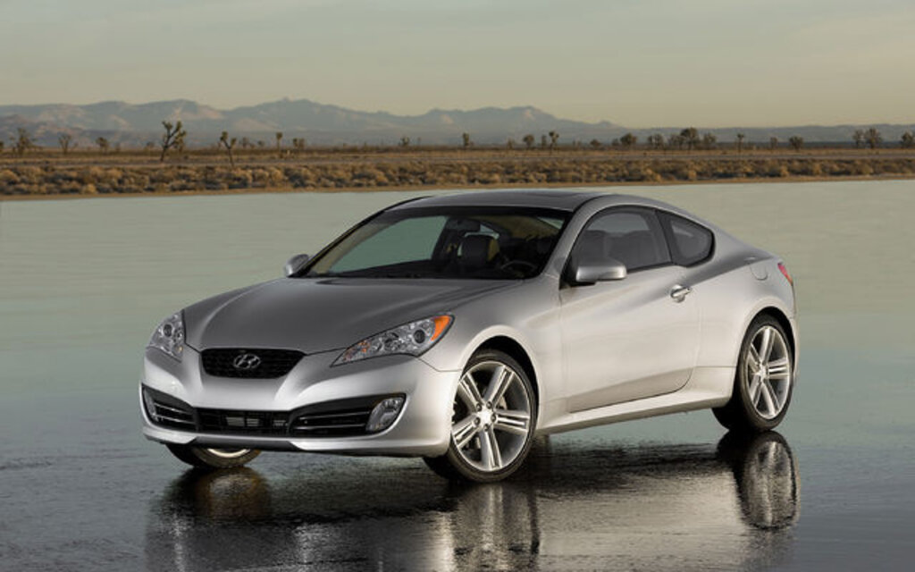 2010 Hyundai Genesis Coupe 3.8 GT Specifications - The Car ...