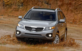 kia sorento 2011 essais actualit galeries photos et vid os guide auto. Black Bedroom Furniture Sets. Home Design Ideas