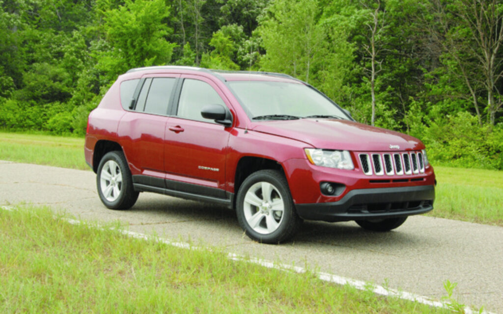 2012 jeep compass news reviews picture galleries and videos the car guide. Black Bedroom Furniture Sets. Home Design Ideas