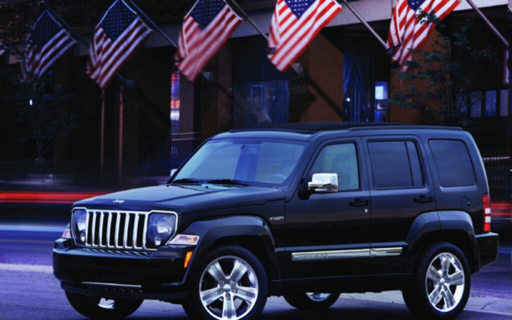 jeep liberty 2012 essais actualit galeries photos et vid os guide auto. Black Bedroom Furniture Sets. Home Design Ideas