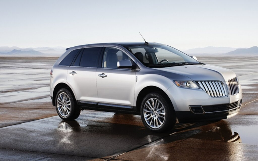 valuation lincoln mkx 2013 guide auto. Black Bedroom Furniture Sets. Home Design Ideas