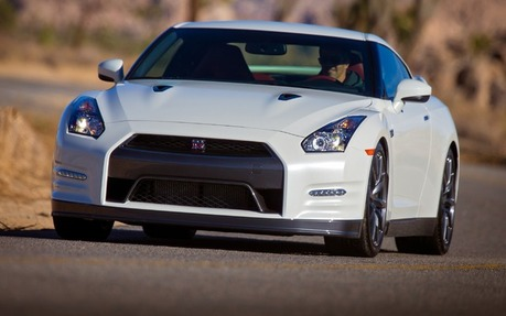 Awesome 2014 Nissan GT R Premium   Price, Engine, Full Technical Specifications    The Car Guide / Motoring TV
