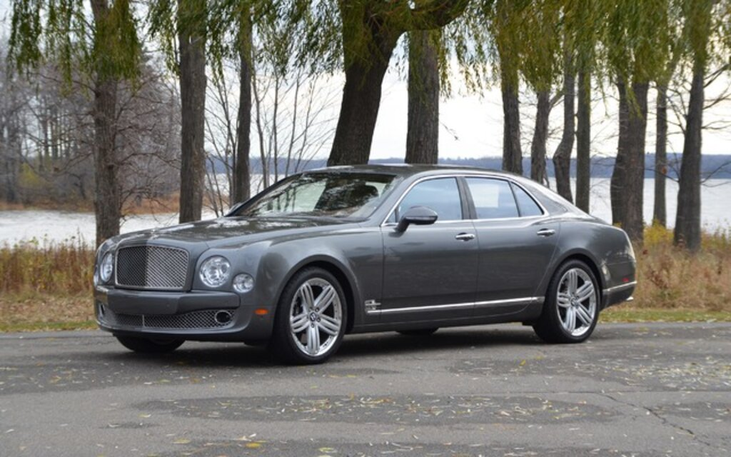 sp cifications bentley mulsanne base 2014 guide auto. Black Bedroom Furniture Sets. Home Design Ideas