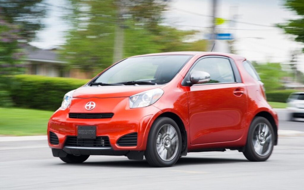 2014 scion iq base specifications the car guide. Black Bedroom Furniture Sets. Home Design Ideas
