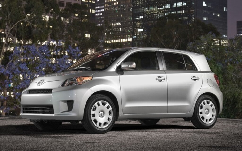 2014 scion xd base specifications the car guide. Black Bedroom Furniture Sets. Home Design Ideas