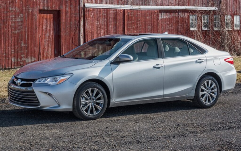2015 Toyota Camry LE Specifications - The Car Guide