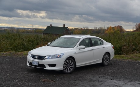 Attractive 2015 Honda Accord LX Sedan   Price, Engine, Full Technical Specifications    The Car Guide / Motoring TV