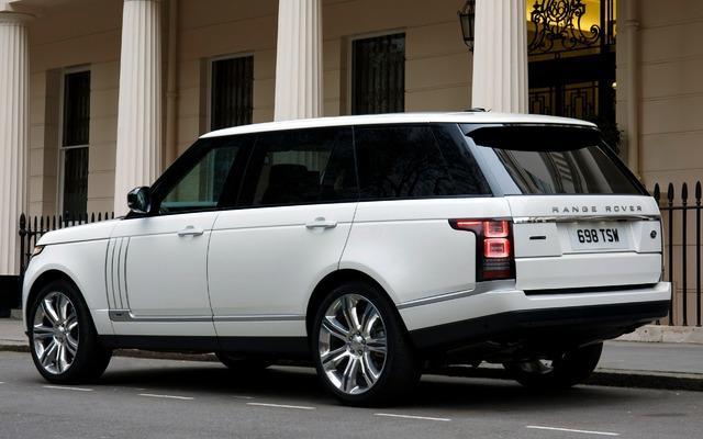 Range Rover Black >> 2015 Land Rover Range Rover photos - 2/4 - The Car Guide