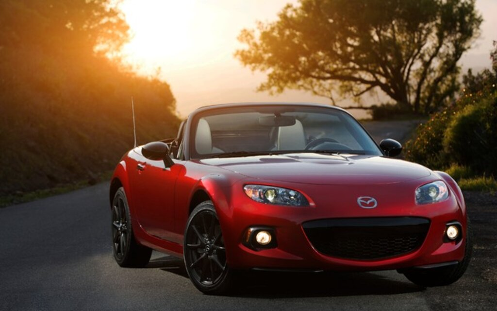 mazda mx 5 2015 essais actualit galeries photos et vid os guide auto. Black Bedroom Furniture Sets. Home Design Ideas